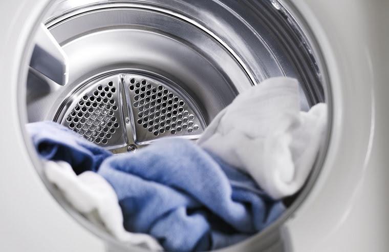 Lưu ý vắn khô quần áo trước khi sử dụng máy sấy