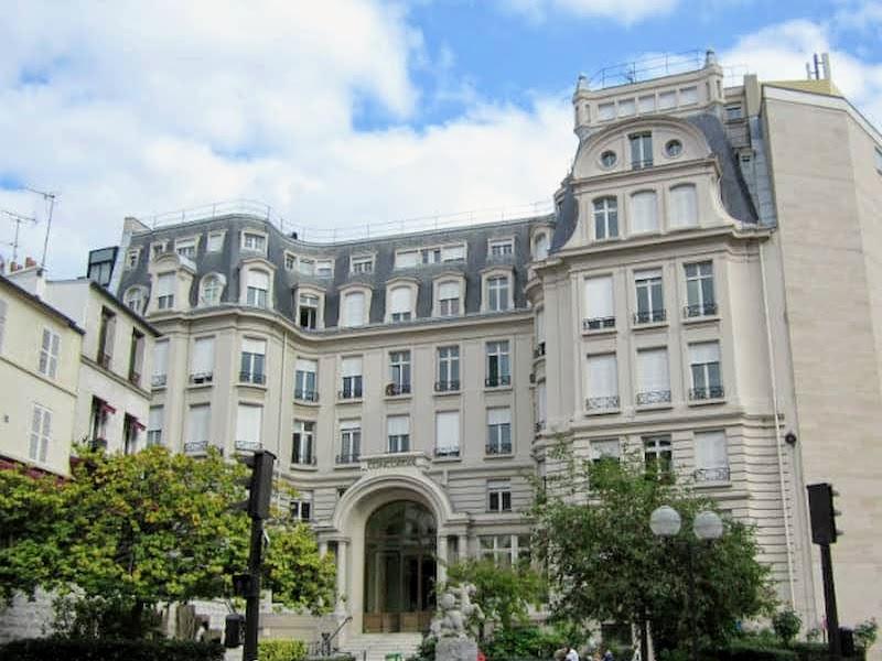 エミリー、パリへ行く 語学学校CONCORDIA
