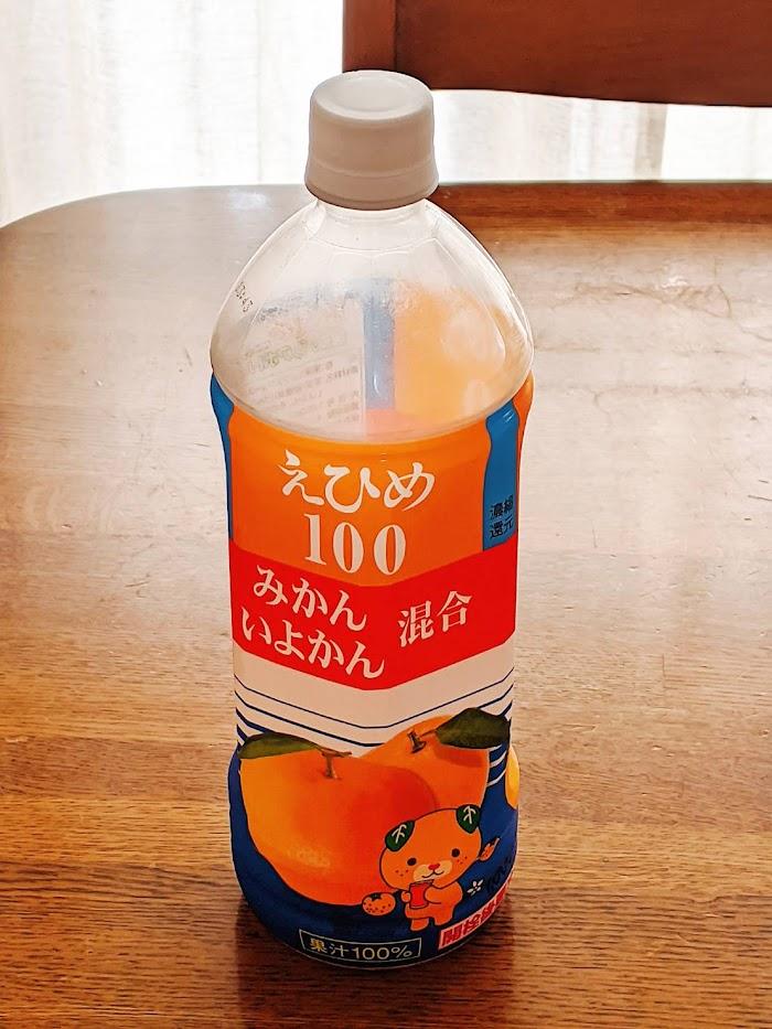 愛媛100みかんいよかんジュースボトルの画像
