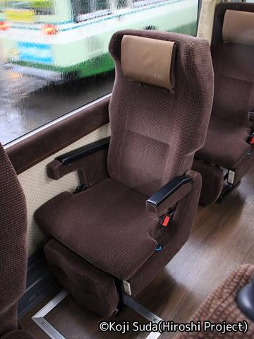 弘南バス「津輕号」 1127 シート
