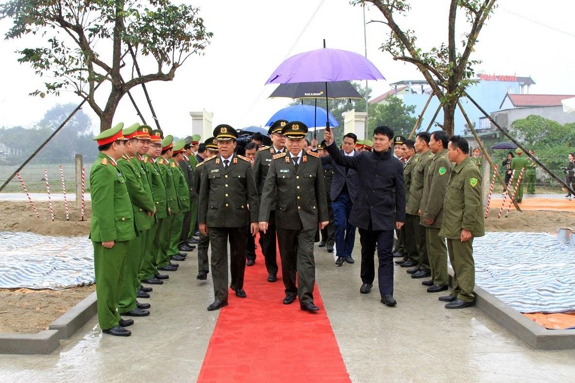 Bộ trưởng Tô Lâm cùng đoàn công tác dự lễ khánh thành trụ sở Công an xã Thanh Thủy, huyện Thanh Chương.