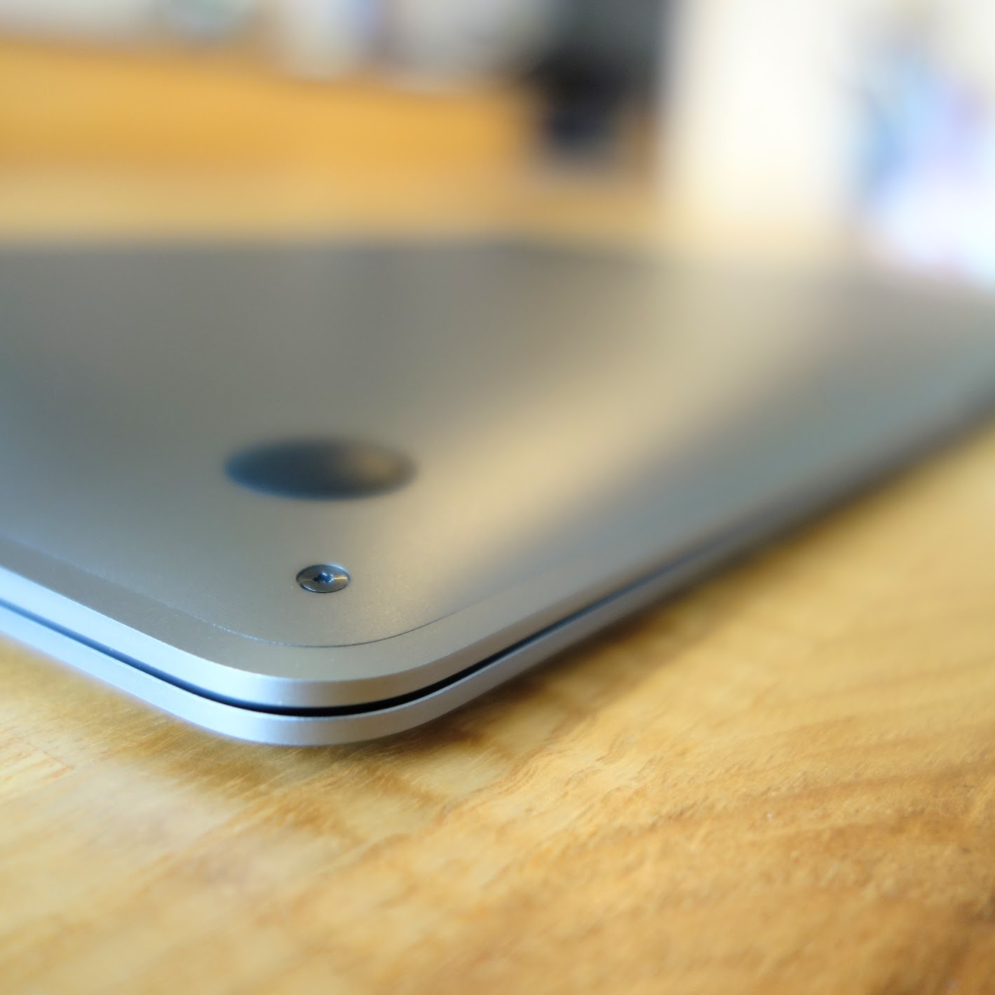 MacBook Air 2020背面