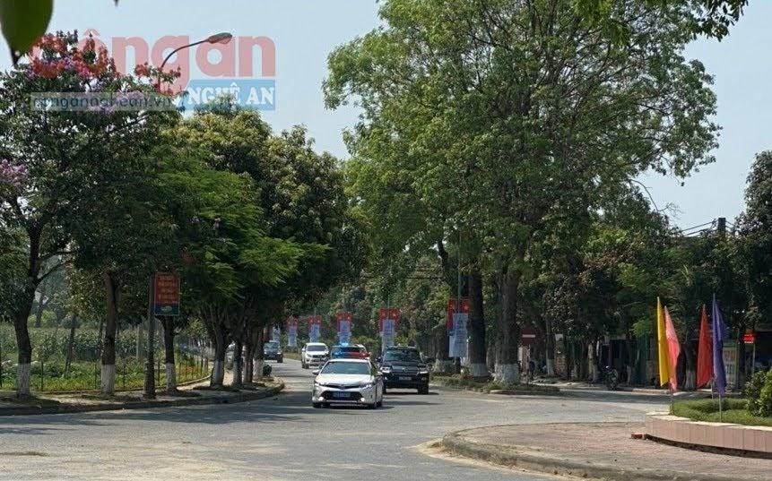 Đội CSGTĐB số 4 thực hiện nhiệm vụ đón, dẫn Đoàn và phân luồng giao thông phục vụ đại lễ kỷ niệm 130 năm ngày sinh Chủ tịch Hồ Chí Minh
