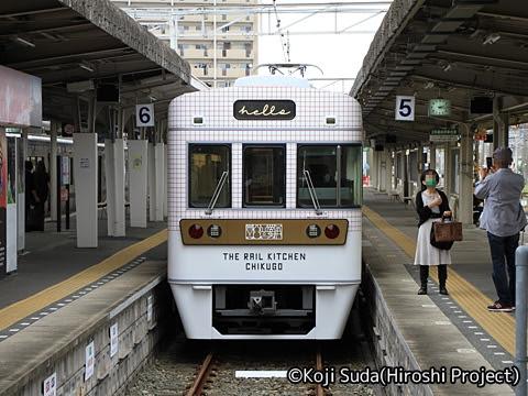 西鉄 6050形改造「THE RAIL KITCHEN CHIKUGO」 大牟田駅到着_02