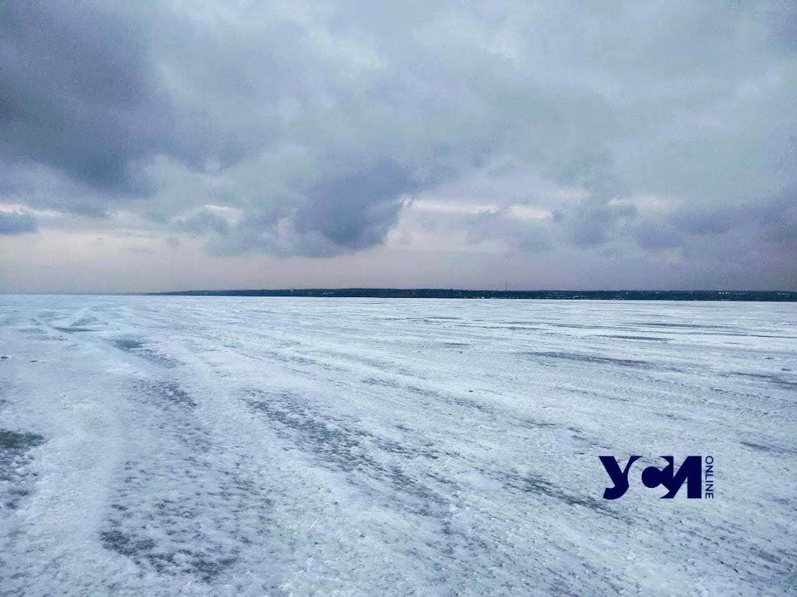 Хаджибейский лиман полностью замерз