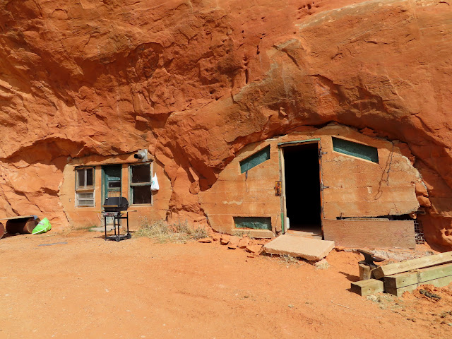 Cave houses at Eightmile Rock