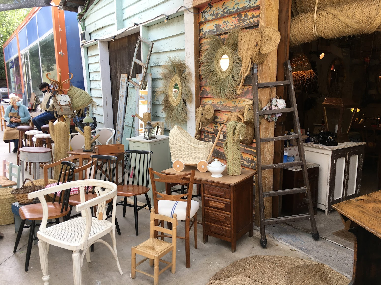 Tienda de muebles antiguos