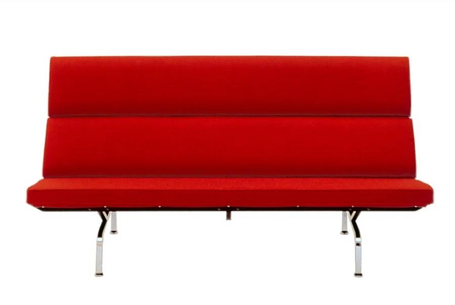 компактный диван Eames, разработанный Чарльзом и Рэем Имсом в 1954 году