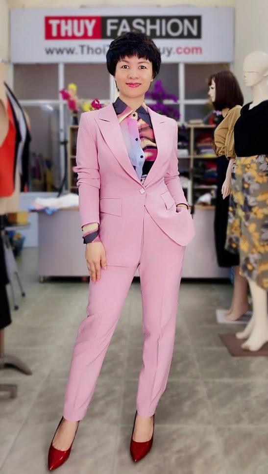 Bộ áo vest nữ mix quần baggy ông côn màu hồng V728 thời trang thủy hà nội