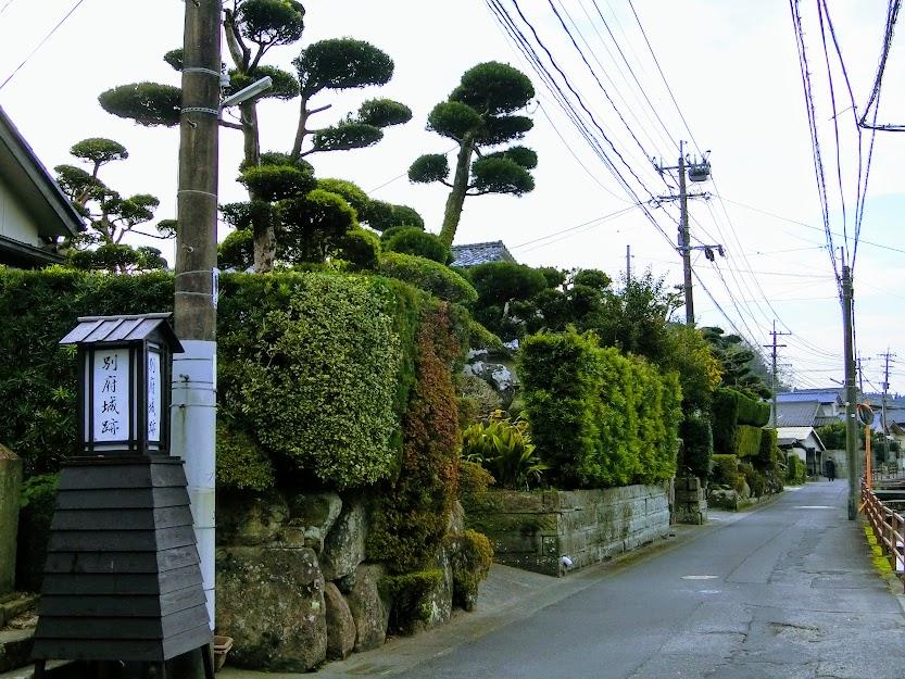 生垣と用水路が続く武家屋敷群『加世田』