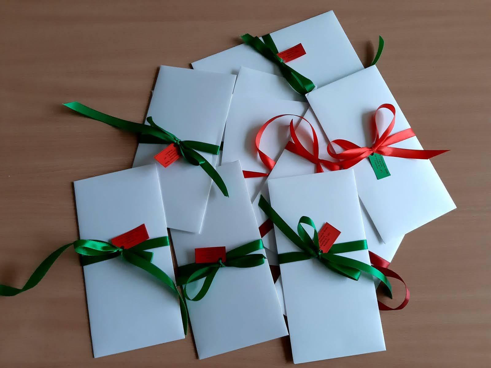Zdjęcie listów w kopertach