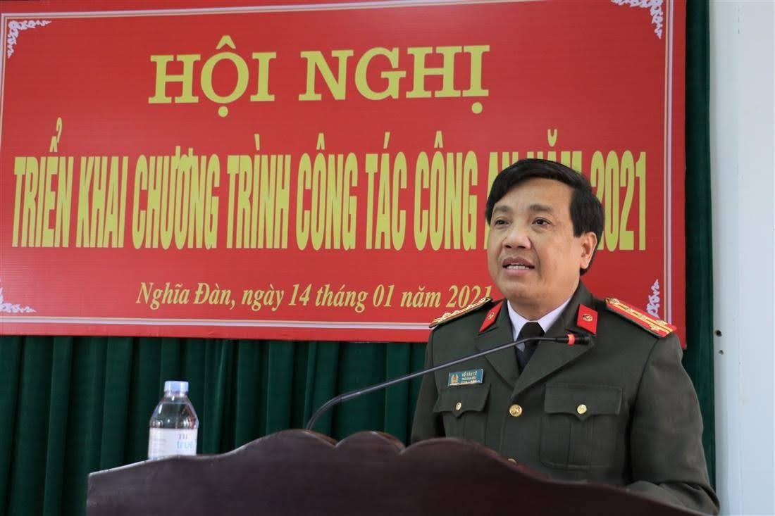 Đại tá Hồ Văn Tứ, Phó Giám đốc Công an tỉnh phát biểu chỉ đạo tại Hội nghị