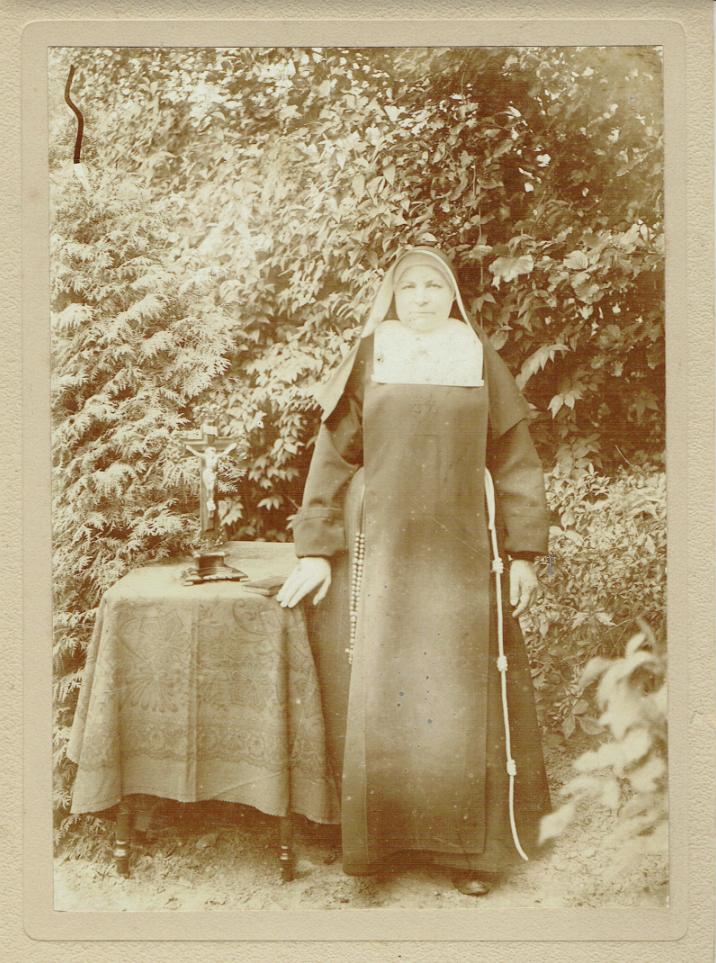 Zuster Leona