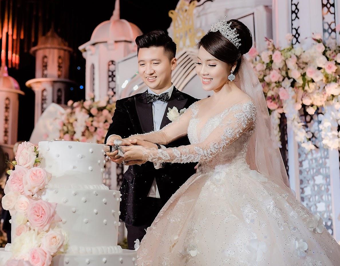 Đám cưới lộng lẫy của Hà My và Trọng Hưng.