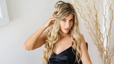 Wow, Bintang Porno Cantik Klaim Disewa 3 Pemain Manchester United