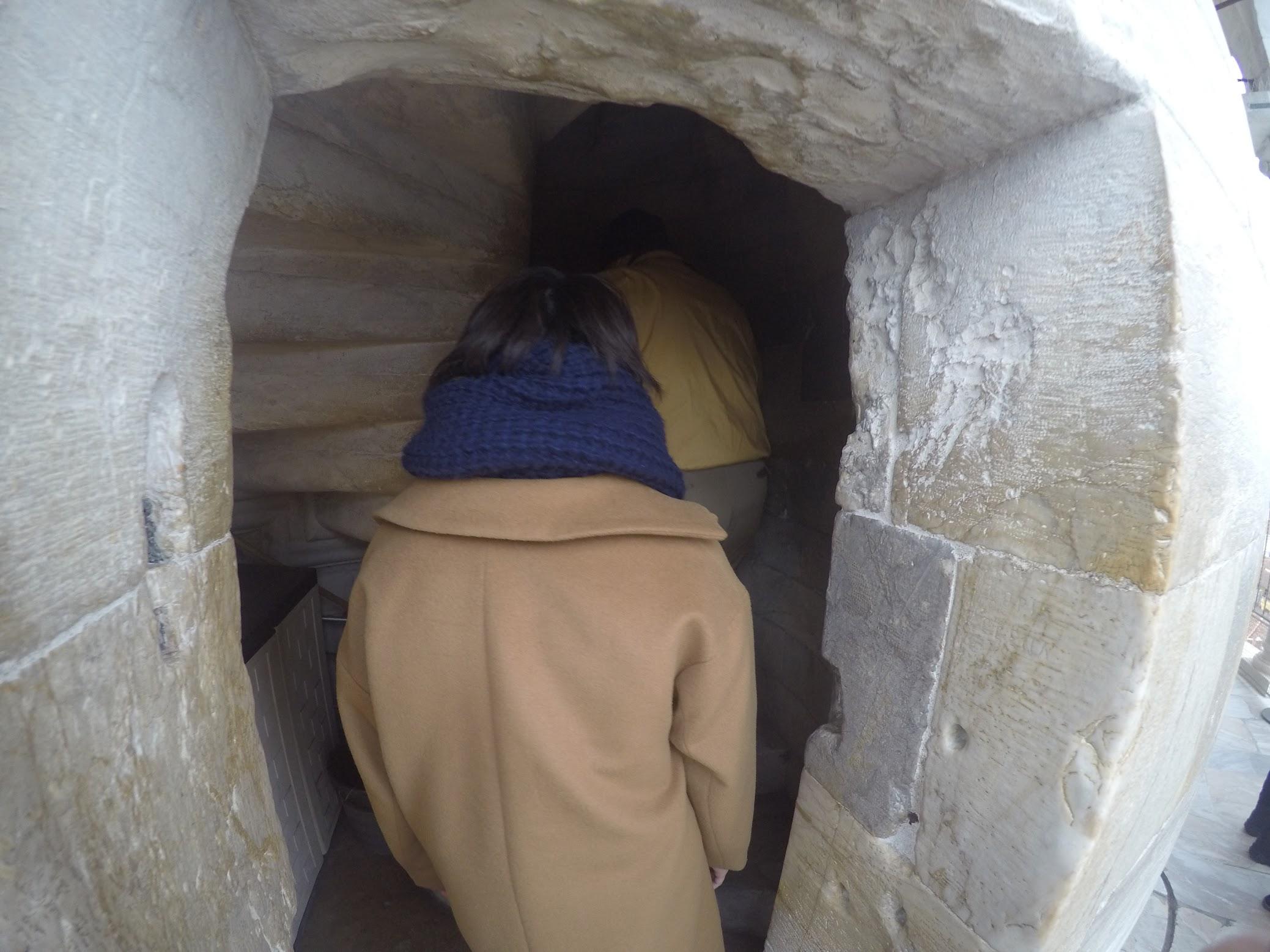 ピサの斜塔の階段