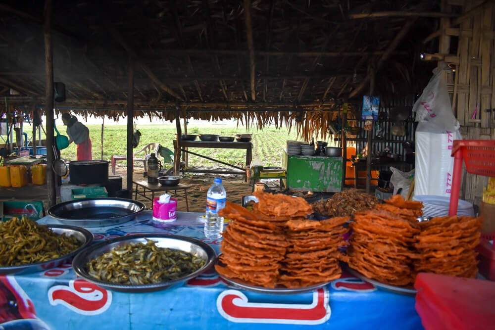 foodshop near u bein bridge.jpg