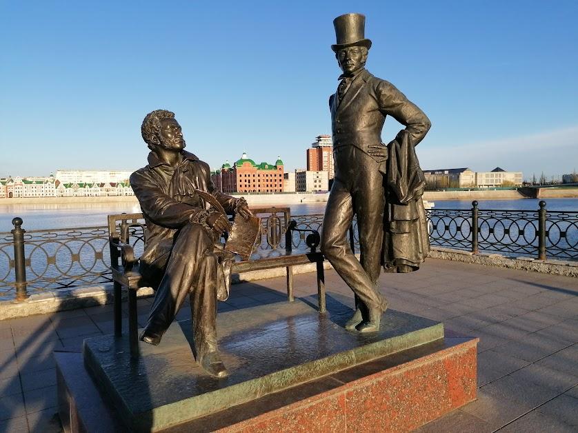 "4. Йошкар-Ола. ""Пушкин и Онегин"". 2011, скульптор А.Н.Ковальчук."