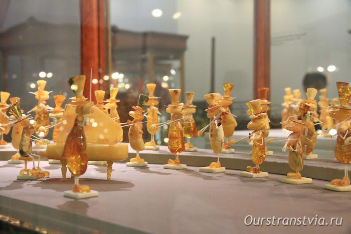 Оркестр из янтаря и кости, экспонат Музея янтаря, Калининград