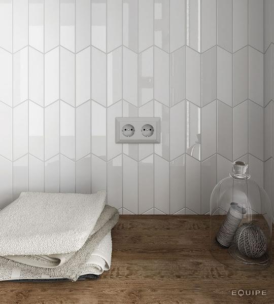 Chevron Wall White Mat