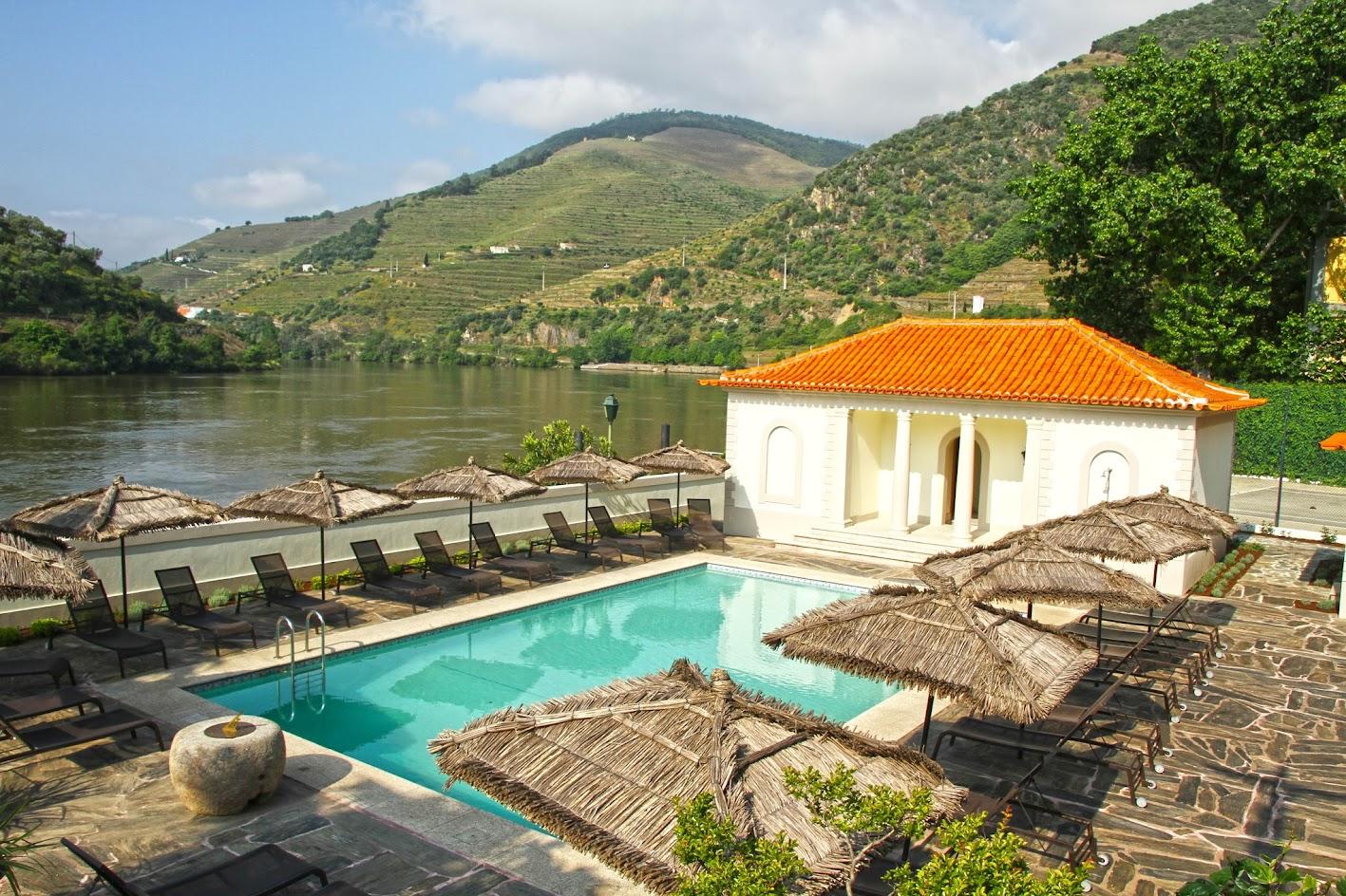Os melhores destinos e hotéis para a PASSAGEM DE ANO EM PORTUGAL