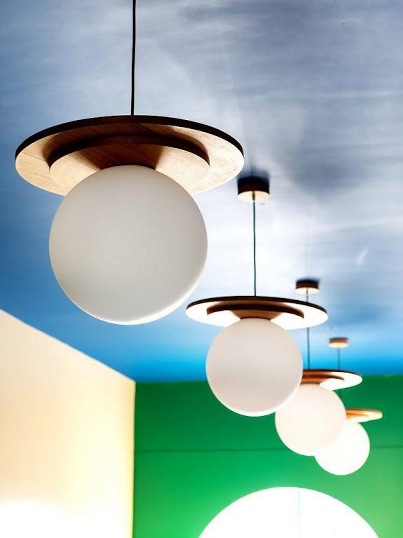 đèn cửa hàng