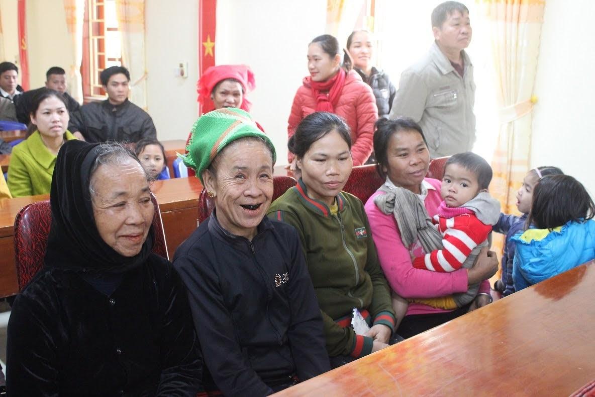 Niềm vui mừng, xúc động của bà con nhân dân xã Diên Lãm.