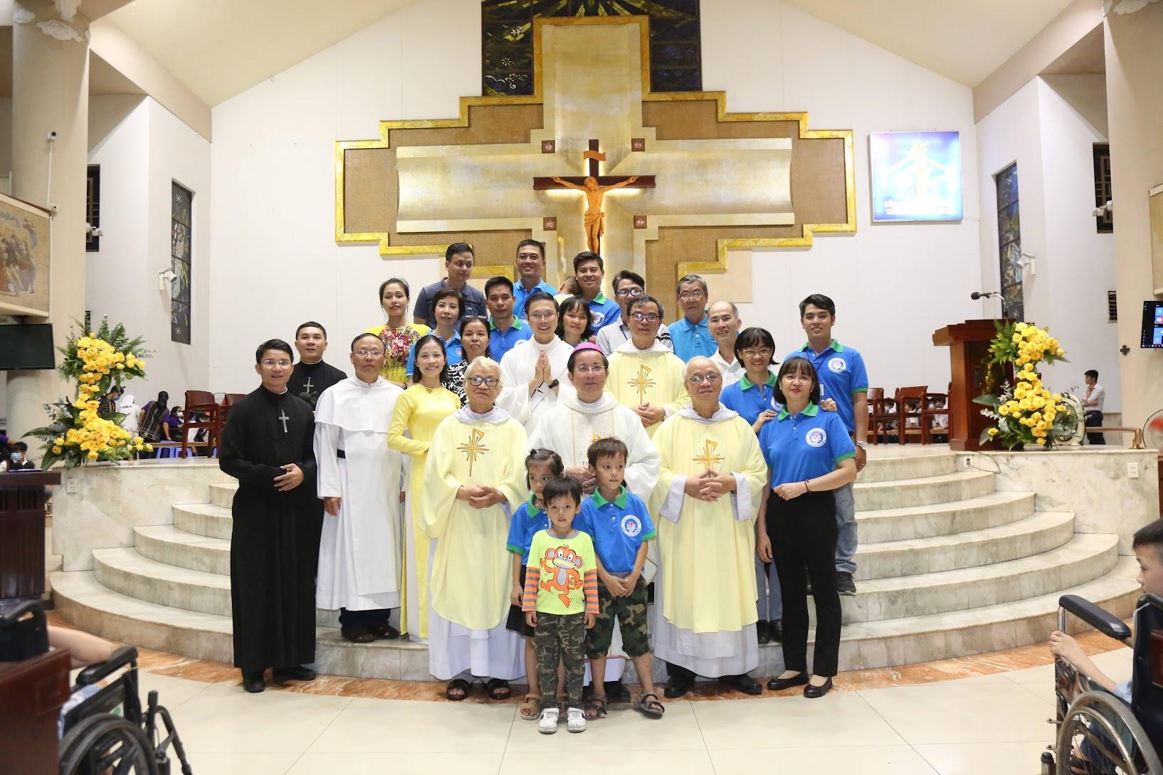 Thánh lễ Tạ ơn 28 năm Gia đình Truyền Tin - Ngày hội Các Mái Ấm