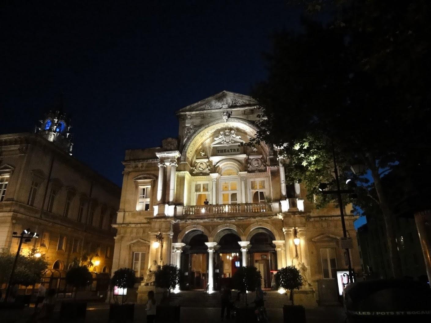 Opéra-Théâtre by night à Avignon