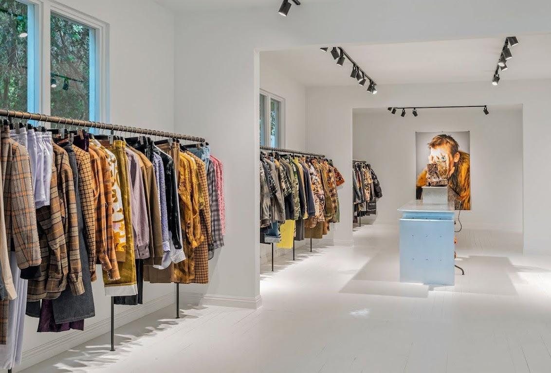 mẫu cửa hàng thời trang