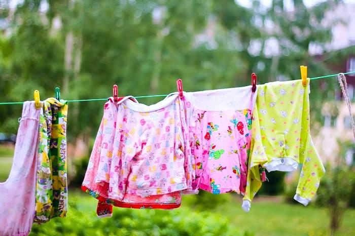 Công nghệ giặt bằng bọt khí  trên máy giặt Toshiba giúp quần áo luôn bền màu