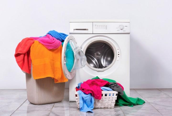 để cửa máy giặt lồng ngang luôn mở