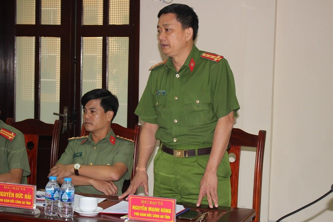Các đồng chí Phó Giám đốc Công an tỉnh, Đại tá Nguyễn Đức Hải, Đại tá Nguyễn Mạnh Hùng phát biểu tại buổi làm việc