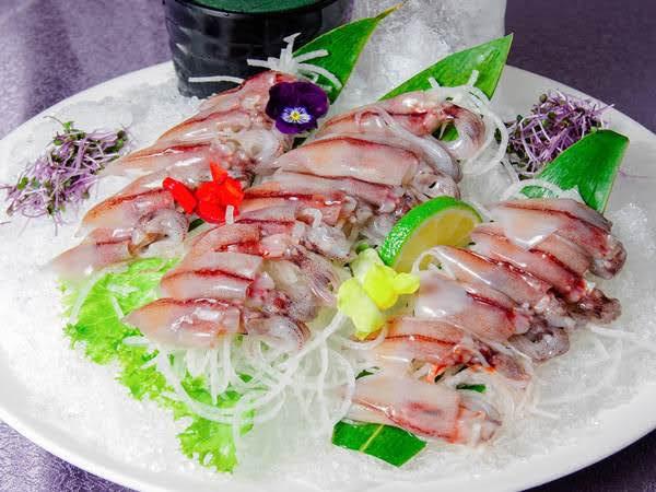 烏賊生魚片