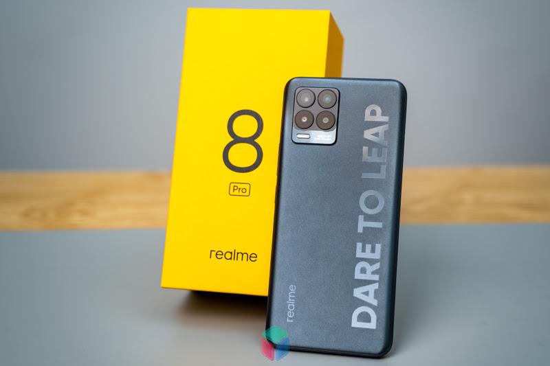 """Realme 8 Pro: Đánh giá chiếc Smartphone """"kì lạ"""" từ Realme"""