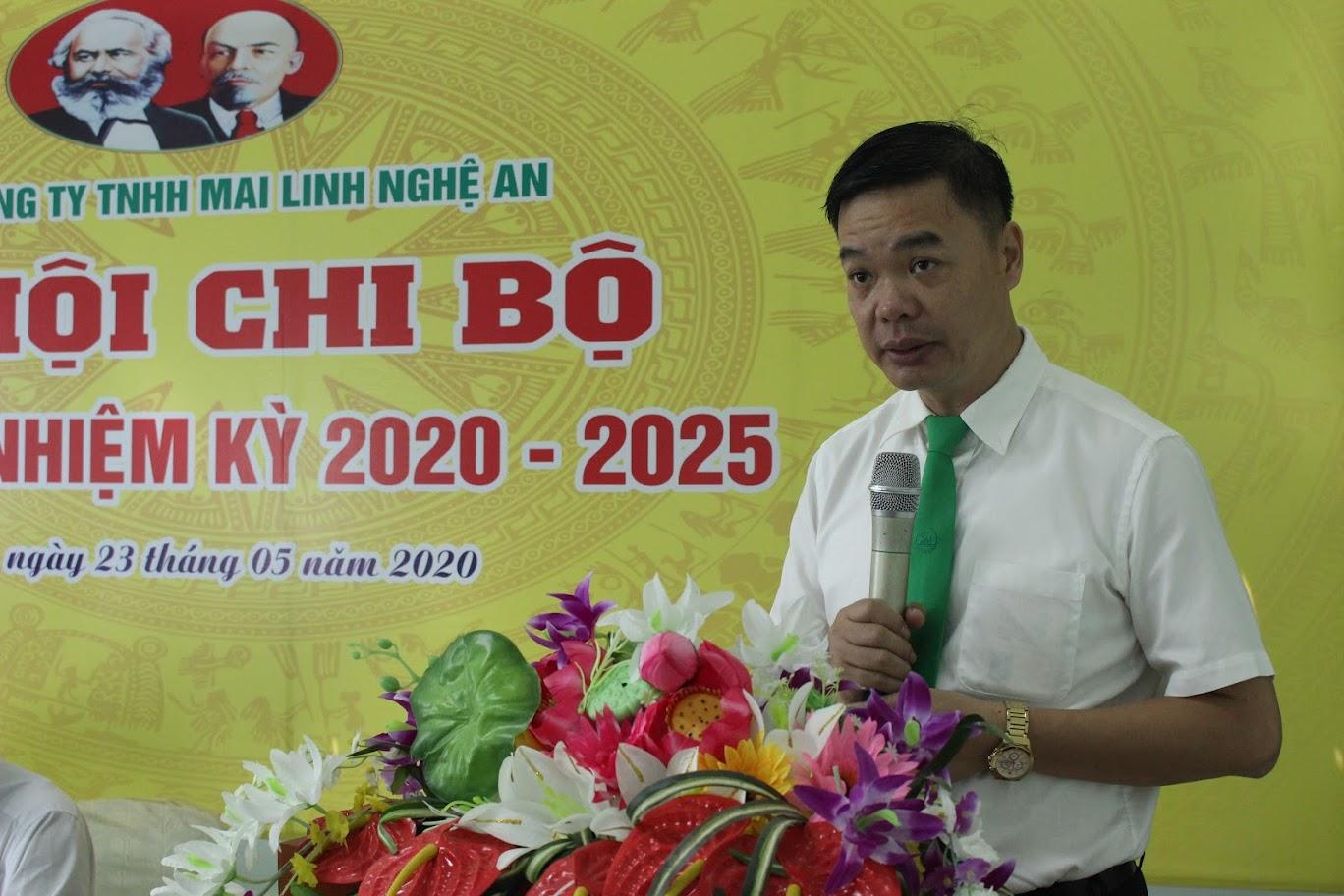 Đồng chí Hồ Đình Việt, Bí thư Chi bộ, Giám đốc Công ty TNHH Mai Linh Nghệ An khai mạc Đại hội