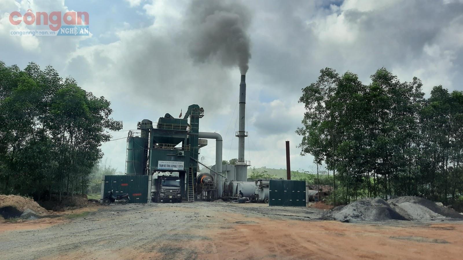 Trạm trộn bê tông nhựa Asphalt không phép hoạt động                 hơn 1 năm qua, gây ô nhiễm môi trường
