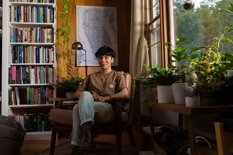 Ocean Vương: 'Tôi chưa, có lẽ sẽ không bao giờ, xác định được danh phận mình'