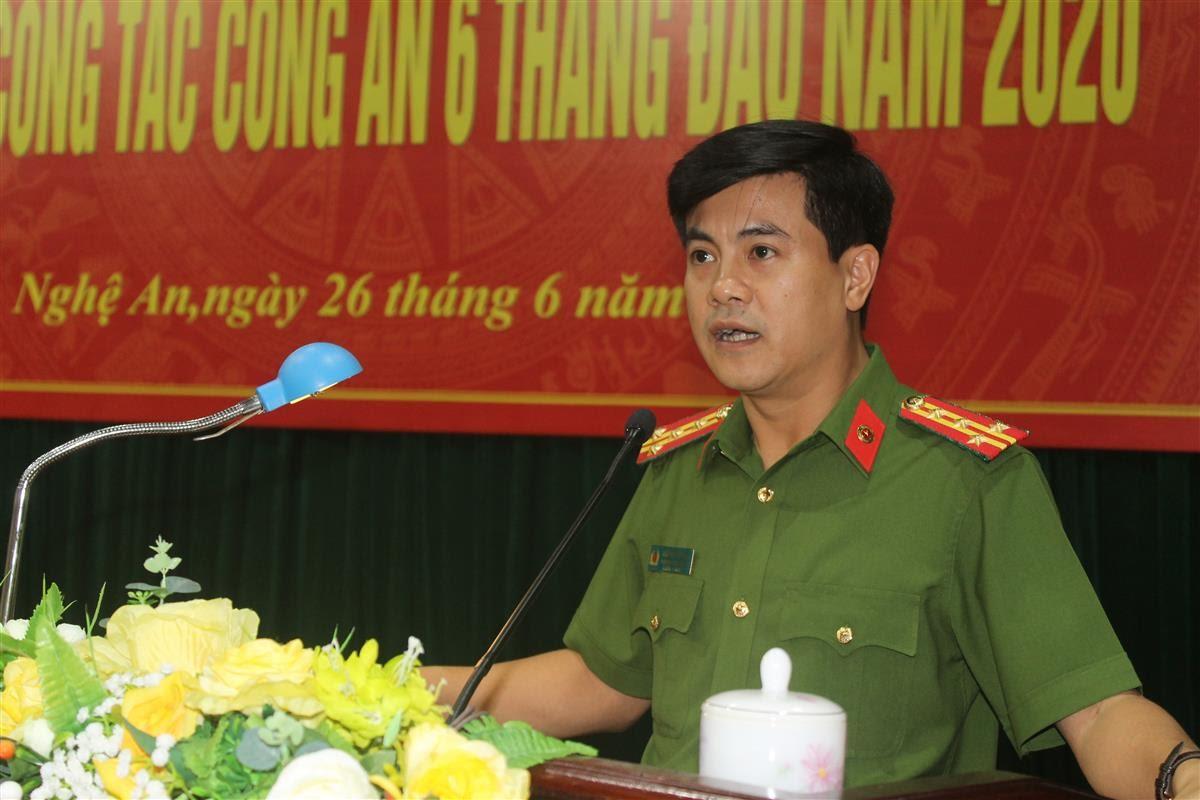 Đại tá Nguyễn Đức Hải, Phó Giám đốc Công an tỉnh yêu cầu Công an các đơn vị địa phương tiếp tục đẩy mạnh công tác cải cách hành chính