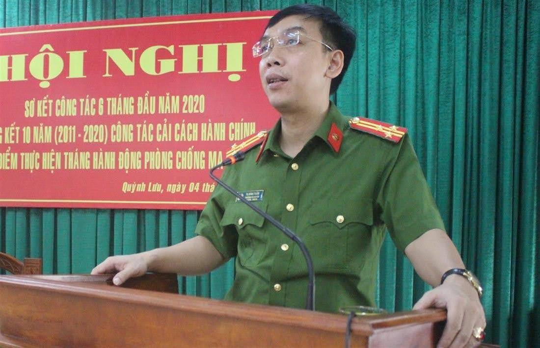 Thượng tá Tạ Đình Tuấn, Trưởng Công an huyện phát biểu tại hội nghị