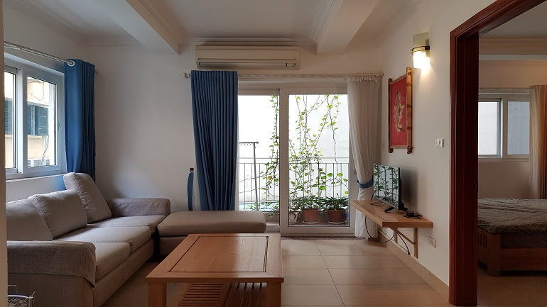 Cheap 1 – bedroom apartment with good size in Tay Ho street, Tay Ho district for rent