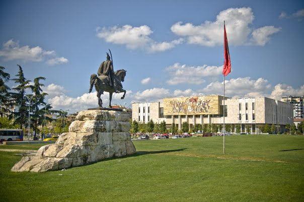 Skanderbeg Square