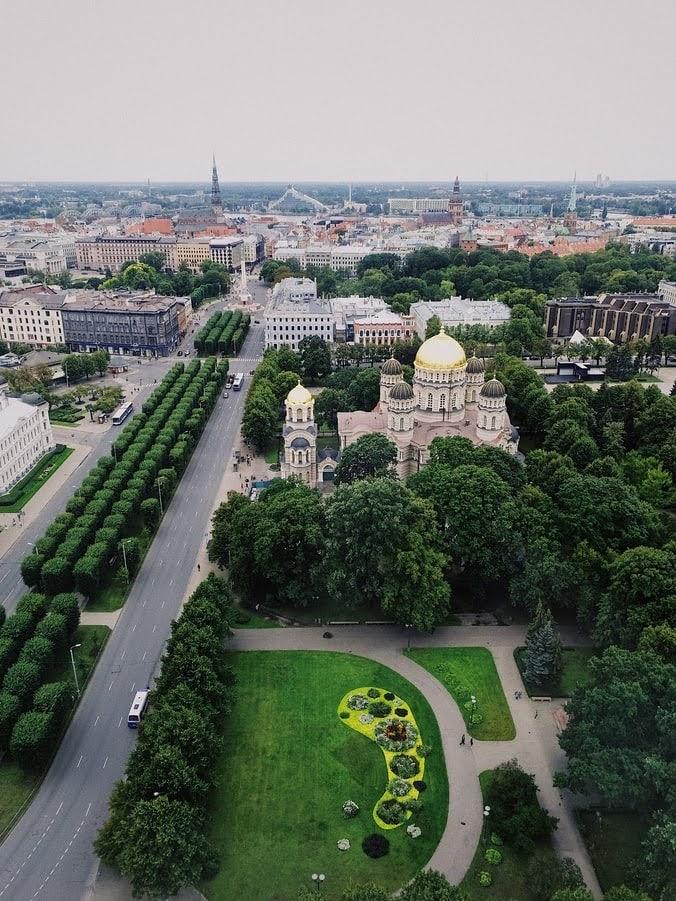 Hai-chương-trình-định-cư-Latvia-HOT-nhất