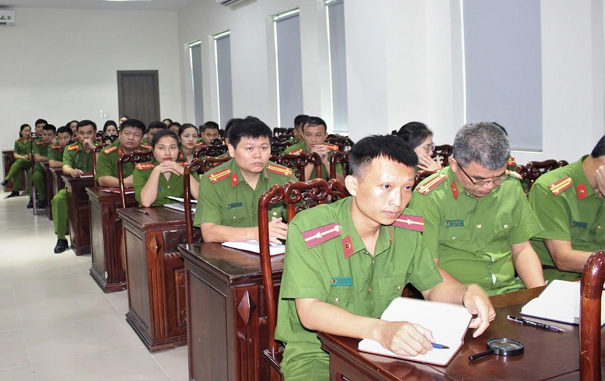 Các học viên tham dự buổi tập huấn