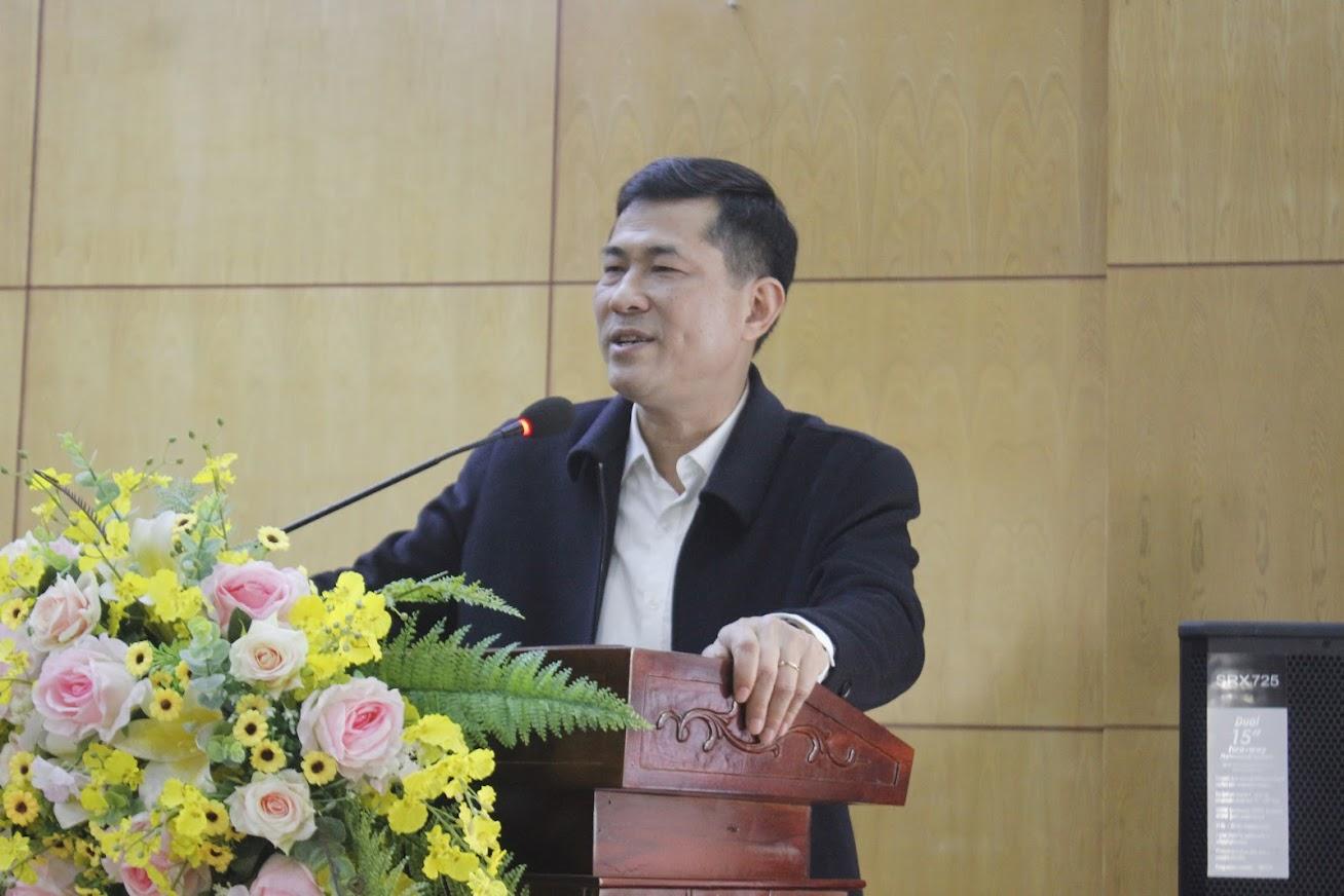 Đồng chí Thái Văn Thành, Giám đốc Sở Giáo dục và Đào tạo phát biểu tại Hội nghị