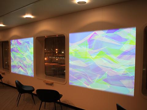 太平洋フェリー 新「きたかみ」 7デッキ 展望プロムナード 窓間プロジェクションマッピング