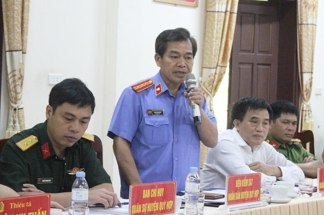Đại diện các đơn vị chức năng huyện Quỳ Hợp phát biểu tại buổi làm việc1