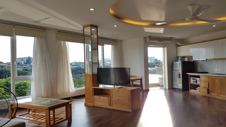 Lake – view one bedroom apartment with balcony in Truc Bach lake, Ba Dinh district for rent