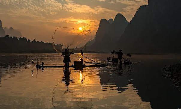 Pesca Noturna com corvos