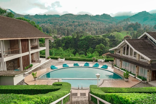 Pool View Hotel Ariandri